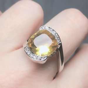 Stunning Yellow  Stone Ring Size 10.5